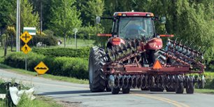 U.S. DOT Adopts Lighting & Marking Standard for Ag Equipment