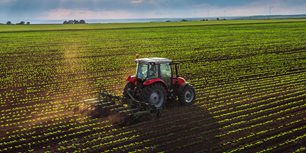Subscribe to AEM Ag Tractor and Combine Reports