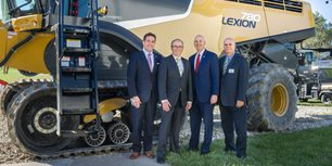 CLAAS Welcomes Nebraska Governor, Congressman