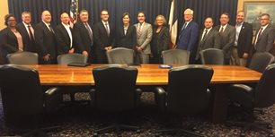 AEM Members Join Iowa Governor for Manufacturing Roundtable