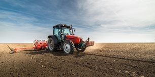 5 Takeaways From AEM's April Ag Tractor and Combine Reports