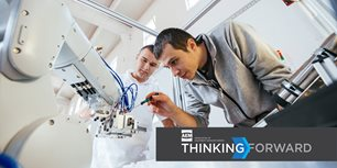 How Manufacturers Can Create Customer Value Through Mobile Robotics