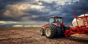 4 Takeaways From AEM's March Ag Tractor and Combine Sales Data