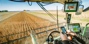 The Machine Data Disconnect: What Questions of Ownership and Access Mean for the Future of the OEM-Customer Relationship in Ag