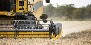 Differing Opinions: Ag Equipment Dealers, Manufacturers Weigh in on Inventories